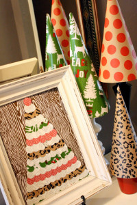 Making A Merry Christmas: Easy Wrapping Paper Art!