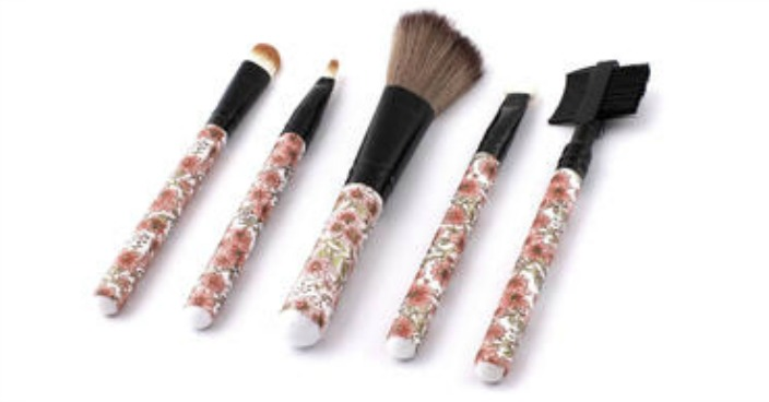Unique Bargains Flower Pattern Makeup Brush Kit Just $10.25! Down From $21!