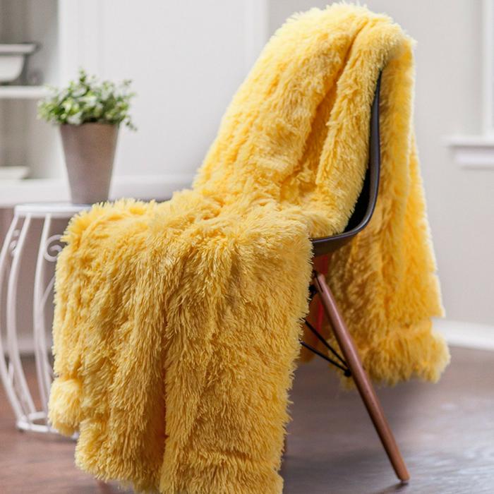 Microfiber Throw Blanket Just $24.99!