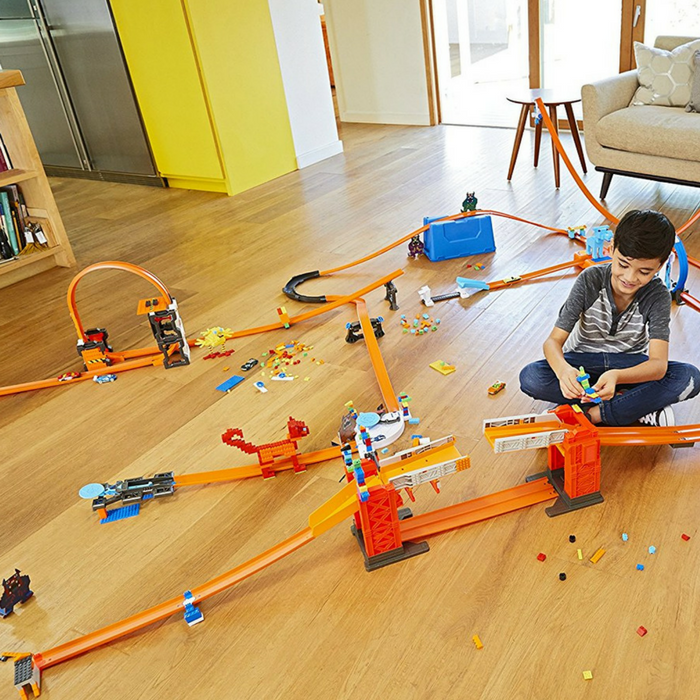Hot Wheels Bridge Kit Just $38.92! Down From $104! PLUS FREE Shipping!