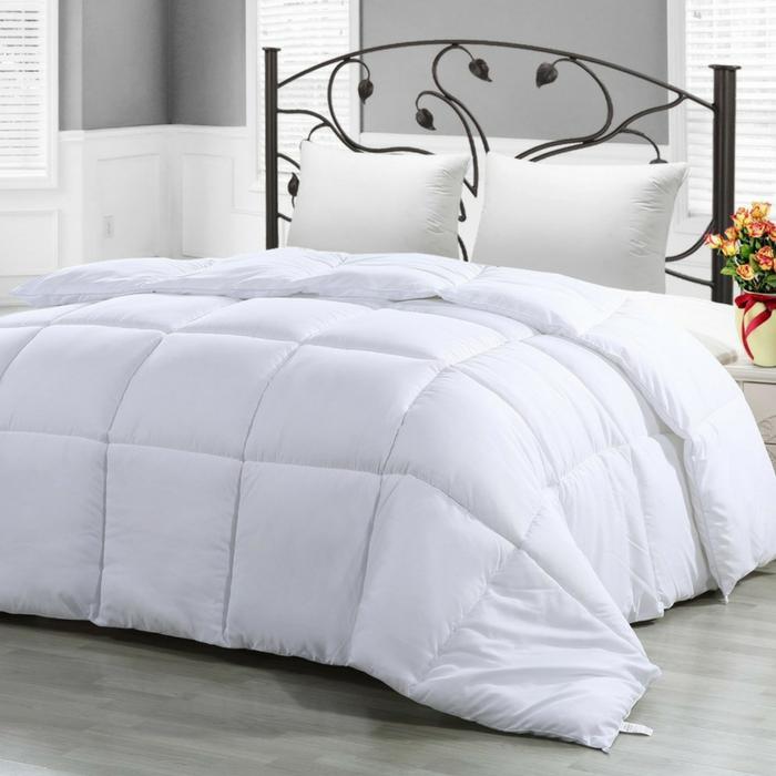 Utopia Down Alternative Comforter