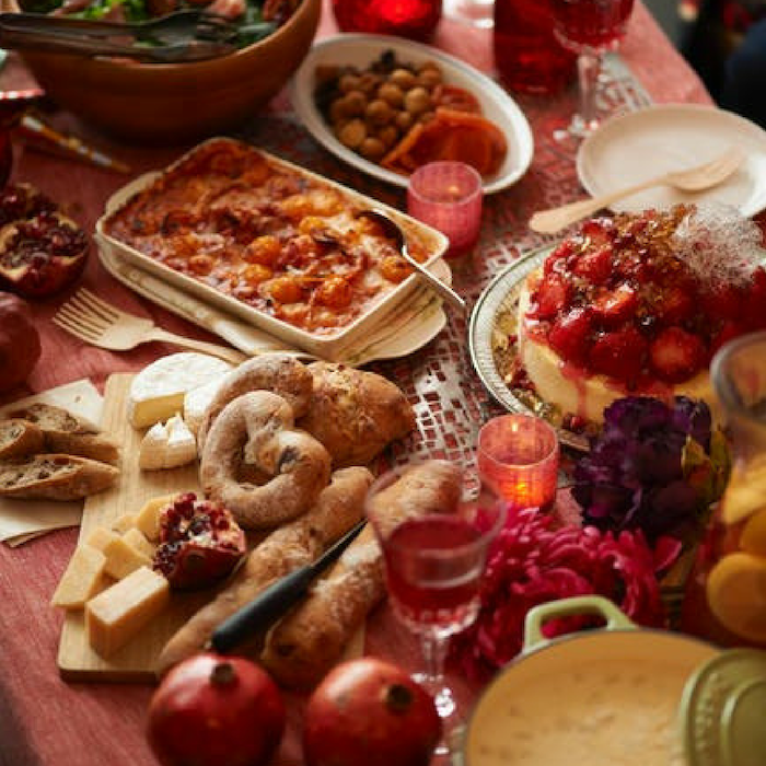 Looking for ways to save on Thanksgiving Dinner?  We have 8 Ways To Save Money On Your Thanksgiving Meal!  These tips will help you prepare and save on this yearly tradition.