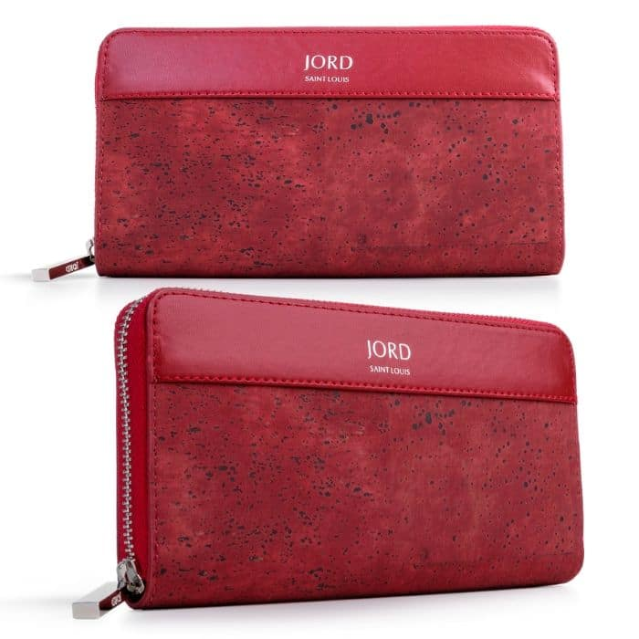 JORD and fashion go hand in hand.  Click through NOW to read more and to hear about the fabulous wallet they sent me to share with you...