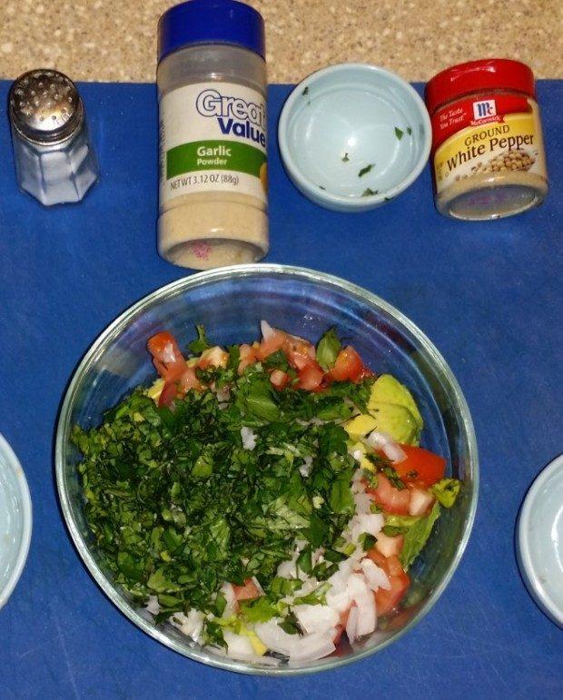 Quick & Easy Homemade Guacamole Recipe
