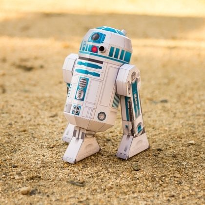 FREE Printable R2-D2 Papercraft!